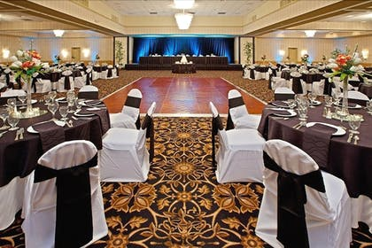 Banquet Hall | Ramada Plaza by Wyndham Cincinnati Sharonville