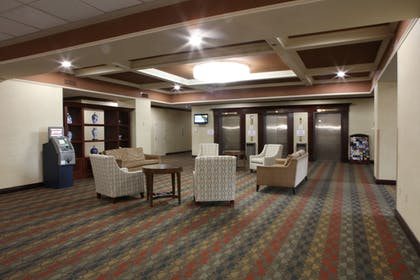 Lobby Sitting Area | Ramada Plaza by Wyndham Cincinnati Sharonville