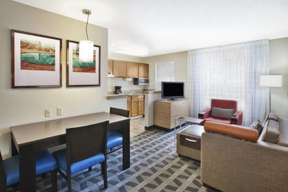 In-Room Kitchen   Towneplace Suites By Marriott Brookfield