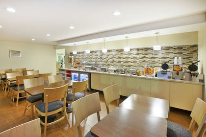 Breakfast Area   Towneplace Suites By Marriott Brookfield