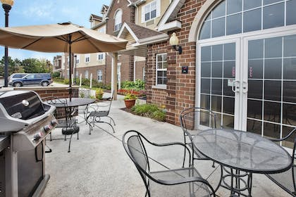 BBQ/Picnic Area   Towneplace Suites By Marriott Brookfield