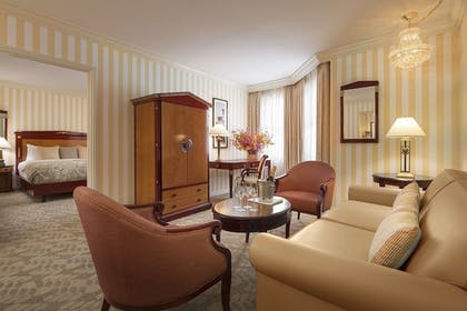 | King Suite | The Orchard Hotel