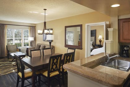 | 2 Bedroom 1 King 1 Queen Suite and Queen Sofabed | Hilton Grand Vacations at SeaWorld