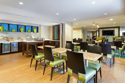 Breakfast Area | SpringHill Suites by Marriott Austin South