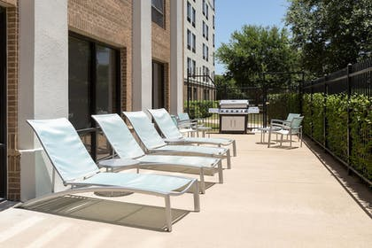 BBQ/Picnic Area | SpringHill Suites by Marriott Austin South