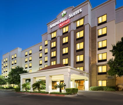 Hotel Entrance | SpringHill Suites by Marriott Austin South