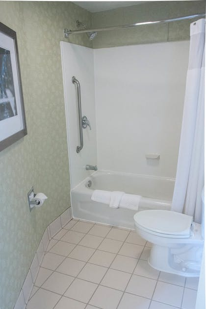 Bathroom   SpringHill Suites by Marriott Pittsburgh Monroeville