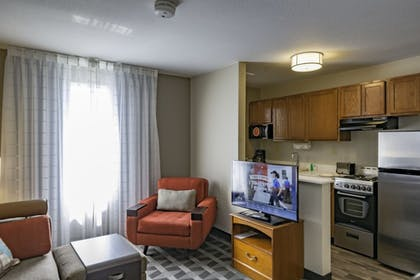 Guestroom | Towneplace Suites By Marriott Streetsboro