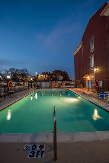 Pool | Holiday Inn Express Dallas-North Tollway (N Plano)