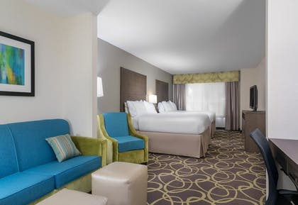 Guestroom | Holiday Inn Express & Suites Ames
