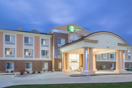 Featured Image | Holiday Inn Express & Suites Ames
