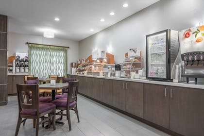 Restaurant | Holiday Inn Express & Suites Ames