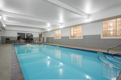 Pool | Holiday Inn Express & Suites Ames