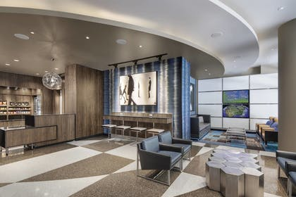 Lobby | Fairfield Inn & Suites Chicago Downtown / Magnificent Mile