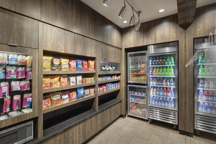 Snack Bar | Fairfield Inn & Suites Chicago Downtown / Magnificent Mile