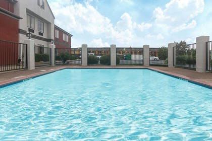 Pool | Super 8 by Wyndham Southaven