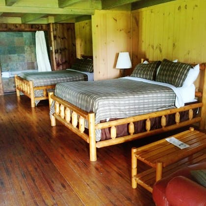 Guestroom | The Smokehouse Lodge and Cabins