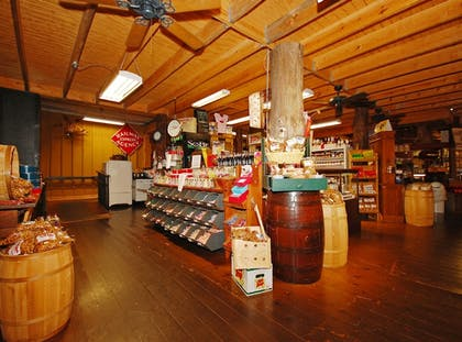 Gift Shop | The Smokehouse Lodge and Cabins