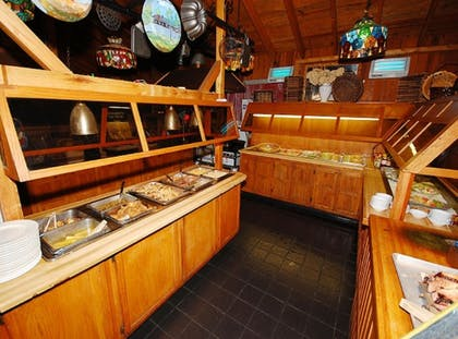 Buffet | The Smokehouse Lodge and Cabins