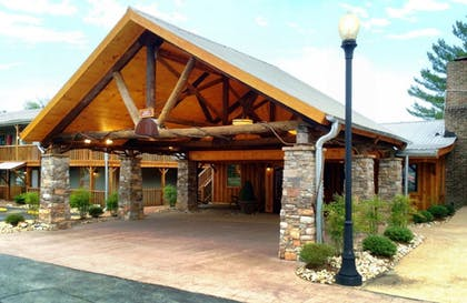 Featured Image   The Smokehouse Lodge and Cabins