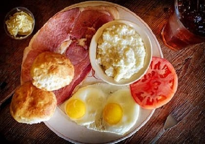 Breakfast Meal | The Smokehouse Lodge and Cabins