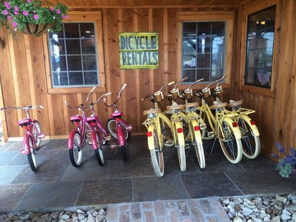 Bicycling | The Smokehouse Lodge and Cabins