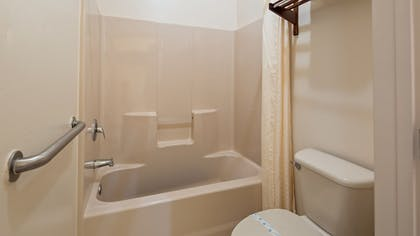 Bathroom | SureStay Hotel By Best Western Mission