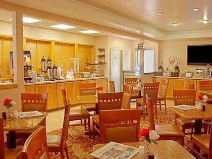 Hotel Interior | Best Western Plus Lubbock Windsor Inn