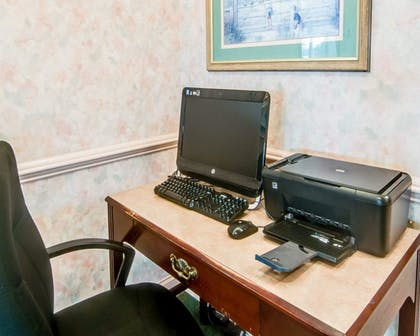 Business Center | Comfort Inn Airport