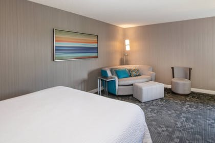 Room   Courtyard by Marriott Oakland Airport