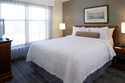 Guestroom | Residence Inn Minneapolis Downtown at The Depot by Marriott