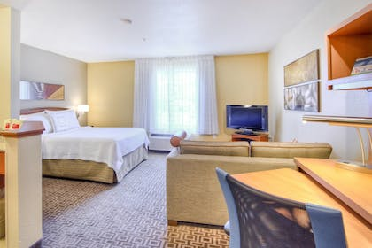 Guestroom | TownePlace Suites by Marriott Raleigh Cary-Weston Parkway