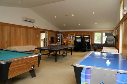 Billiards | Golden Eagle Resort