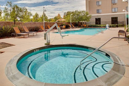 Outdoor Spa Tub | Courtyard by Marriott Sacramento Midtown