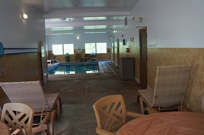 Indoor Pool | BEST WESTERN Executive Suites - Columbus East