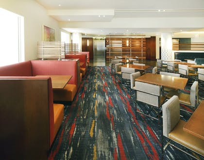 Hotel Interior | Holiday Inn Express and Suites Fisherman's Wharf