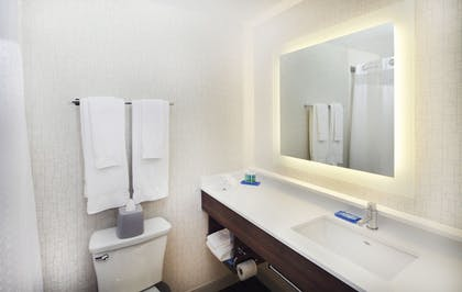 Bathroom Amenities | Holiday Inn Express and Suites Fisherman's Wharf