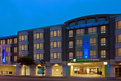 Exterior | Holiday Inn Express and Suites Fisherman's Wharf