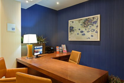 Concierge Desk | Holiday Inn Express and Suites Fisherman's Wharf