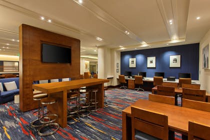 Business Center | Holiday Inn Express and Suites Fisherman's Wharf