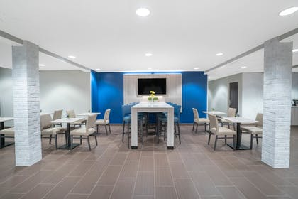 Dining   Microtel Inn & Suites by Wyndham Nashville