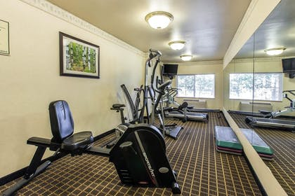 Fitness Facility | Quality Inn & Suites Summit County