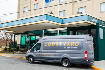 Hotel Front | Courtyard by Marriott New York JFK Airport