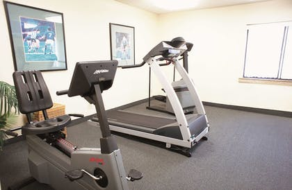 Fitness Facility | La Quinta Inn by Wyndham Indianapolis Airport Executive Dr