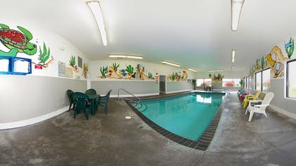 Indoor Pool | Econo Lodge Inn & Suites Bettendorf