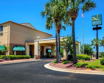 Exterior | Quality Inn And Suites