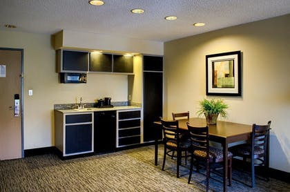 In-Room Dining | Quality Inn And Suites