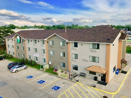 Featured Image | Quincy Inn and Suites