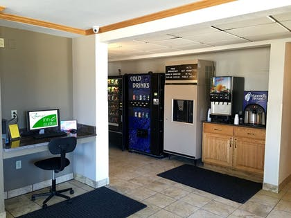 Property Amenity | Quincy Inn and Suites