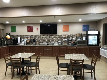 Food Court | Quincy Inn and Suites